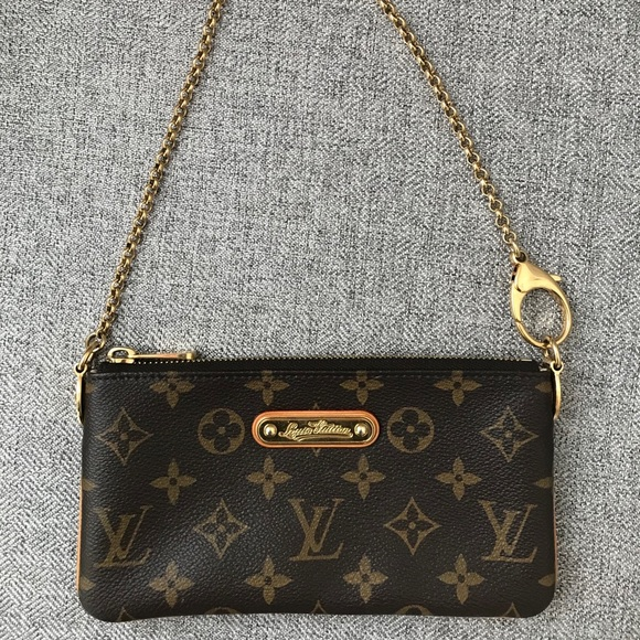 9688e04acd6f Louis Vuitton Handbags - Louis Vuitton Classic Monogram Pochette